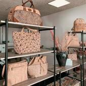 Tour de Leather and the Likes 😘🧡  Du kan se og mærke vores produkter i mit showroom. Men venligst kontakt mig forud for dit besøg, så jeg kan give dig en god og personlig betjening du fortjener⭐️⭐️⭐️⭐️⭐️. Jeg tilbyder gerne kaffe, espresso, varm kakao, eller måske te når du kommer ☕️